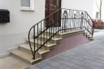 Die historische Treppe mit Geländer_1